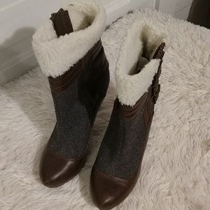 New Faux Leather, Wool and Faux Fur Boots sz 8